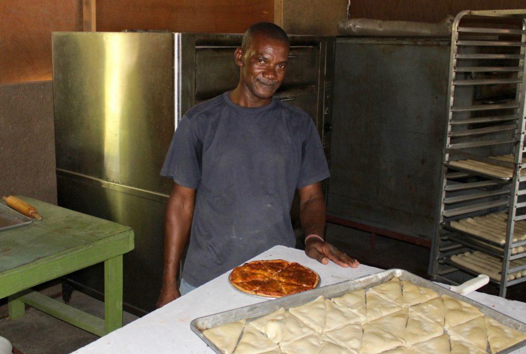 Heartline Haiti Beltis Bakery - Pizzas